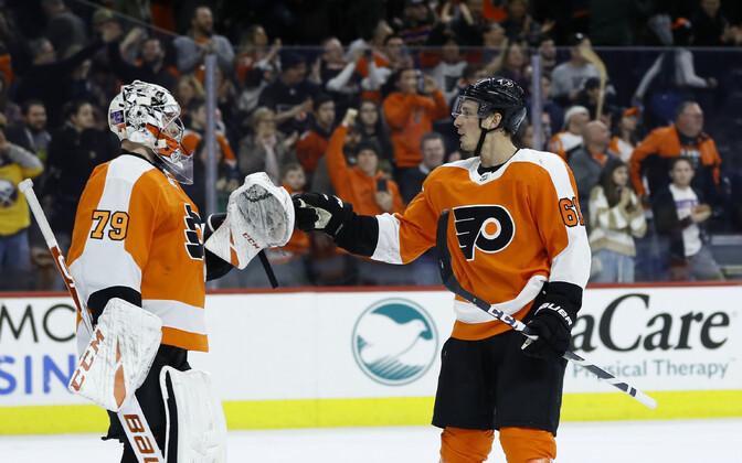Carter Hart ja Justin Braun (Flyers)