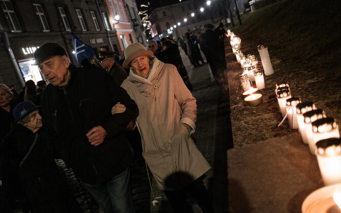 Commemoration of 1944 bombing of Tallinn on Harju Street.