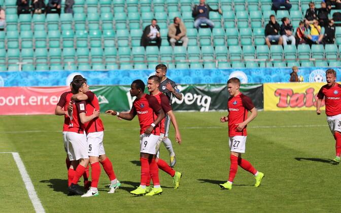 Narva Transi mängijad mulluses Eesti meeste jalgpalli karikafinaalis, kus alistati samuti Nõmme Kalju
