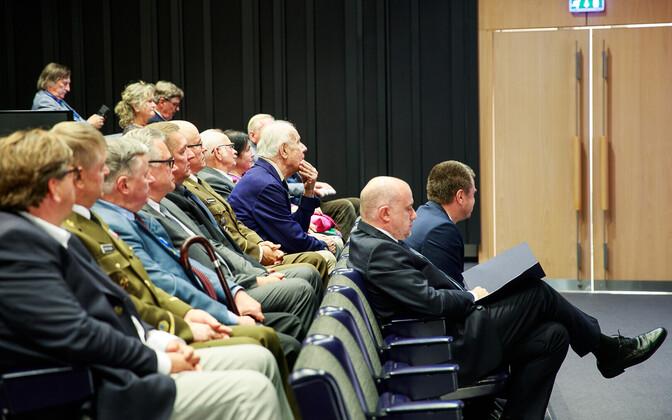 Личное общение эстонских чиновников с иностранными коллегами будет ограничено.
