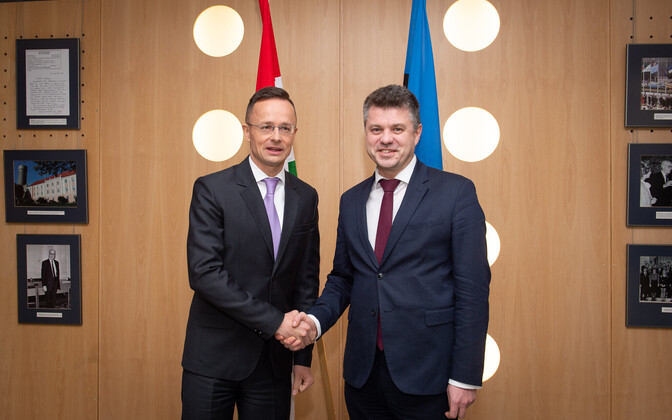 Urmas Reinsalu and Hungarian Foreign minister Peter Szijjarto.
