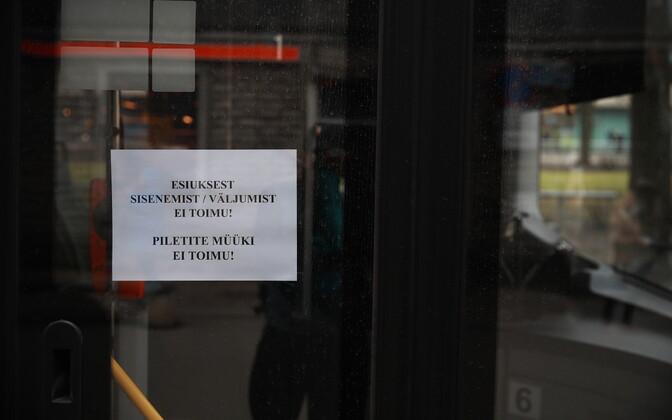 Tallinnas on bussijuhid kaitstud.