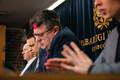 Пресс-конференция правительства в связи с объявлением чрезвычайного положения.
