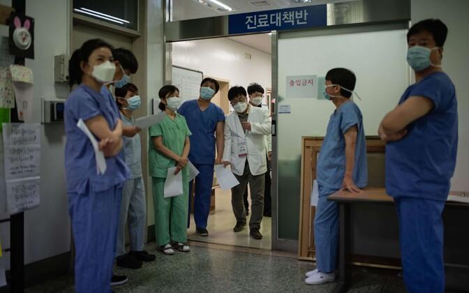 Lõuna-Korea meditsiinitöötajad Daegus.