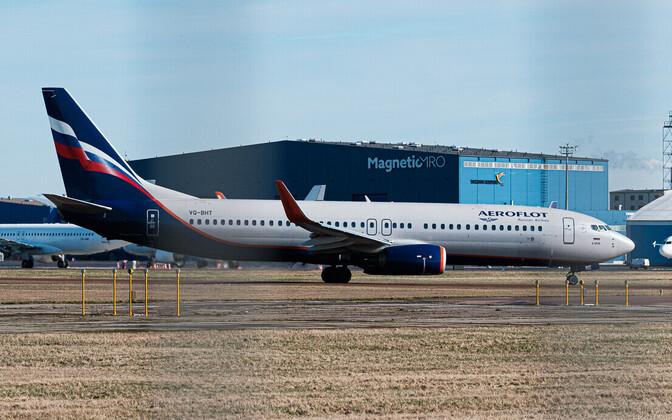 Aeroflot plane on Tallinn Airport runway.