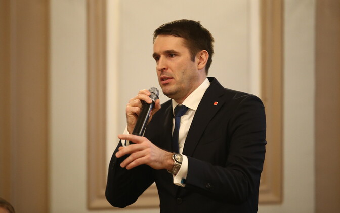Райнер Вакра критикует систему зарплат в Таллинне.