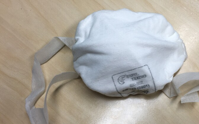 A protective mask made at Esfil Tehno in Sillamäe.