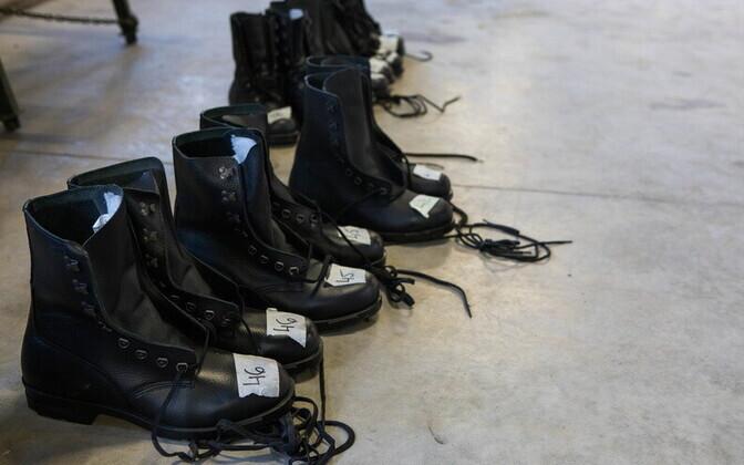 Солдатские ботинки.