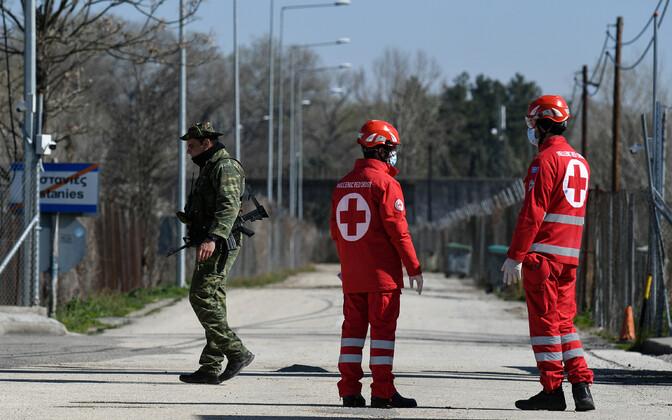 Punase Risti töötajad Kreeka-Türgi piiril Kreeka poolel Kastaniesis.