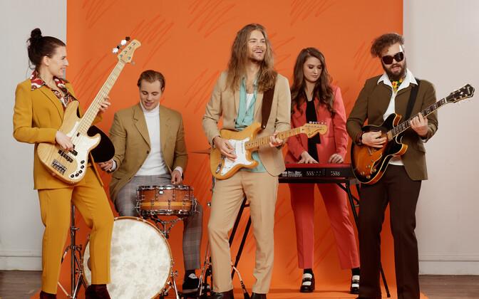 Daniel Levi koos bändiga