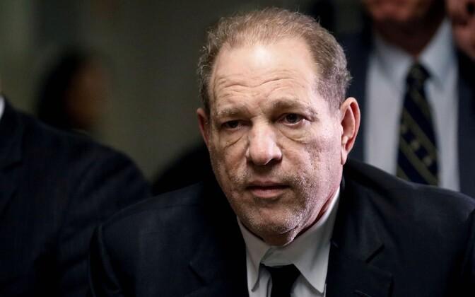 Harvey Weinstein kohtus.