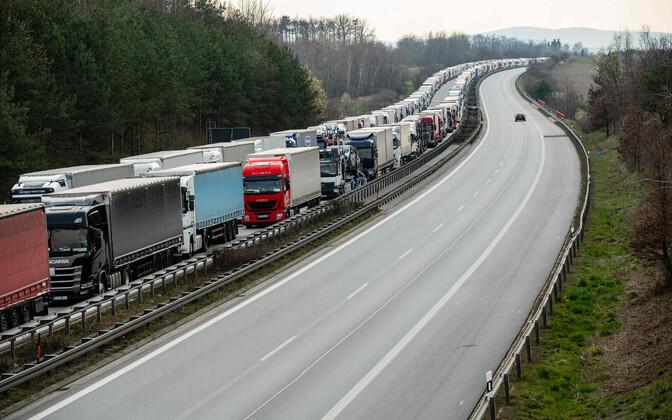 Veokite järjekord Saksa - Poola piiril kiirteel A4 ulatus 40 kilomeetri kaugusele Saksamaale.