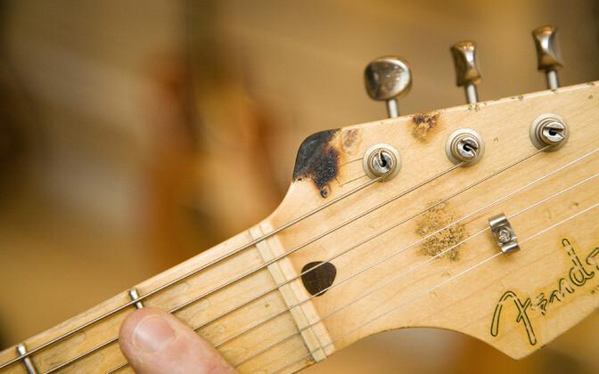 Eric Claptoni nimeline Fender Stratocaster.