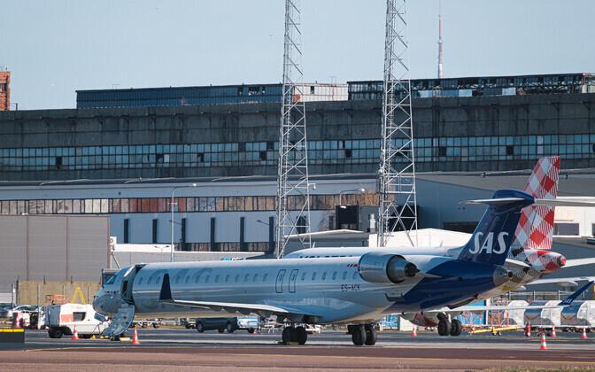 SAS-i lennuk Tallinna lennuväljal