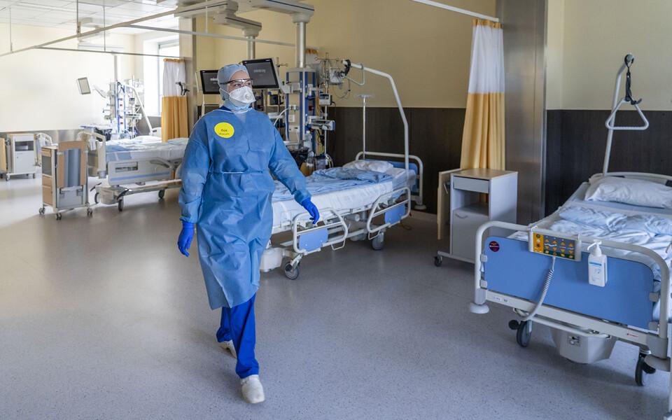 Северо-Эстонская региональная больница в условиях чрезвычайного положения.