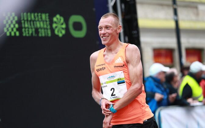 Roman Fosti 2019. aasta Tallinna maratonil.