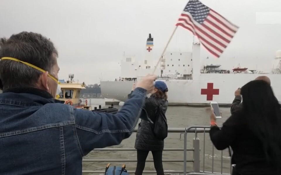 США лидирует по зараженным коронавирусом.