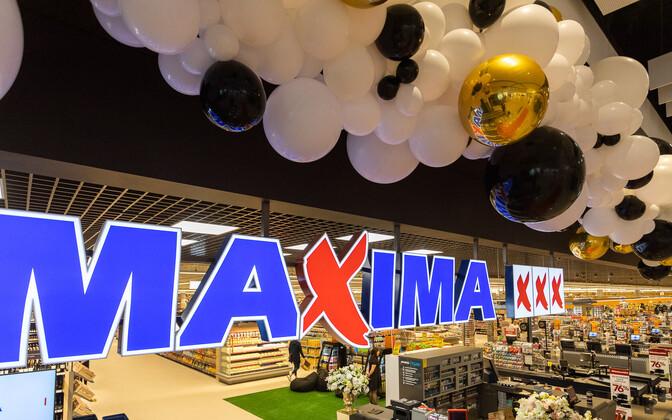 Maxima XXX supermarket.
