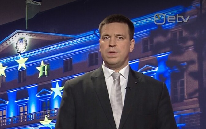 Prime Minister Jüri Ratas (Center) during Sunday night's address.