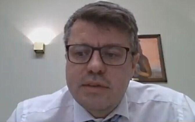 Урмас Рейнсалу общался с депутатами Рийгикогу через интернет.