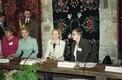 Koosviibimine Kolu kõrtsis [Eesti Vabaõhumuuseum]: Ene Tomberg, Helle Meri, Hillary Clinton, Marju Lauristin. 1996