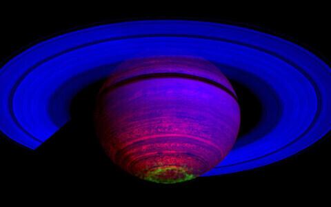 Ka Saturnil on võimalik näha virmalisi.