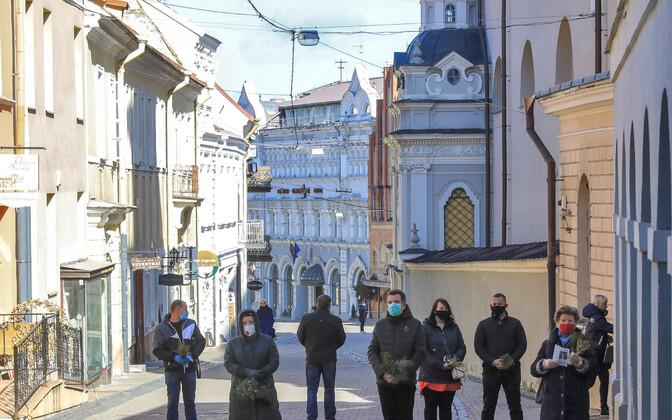 Inimesed Vilniuse vanalinnas.