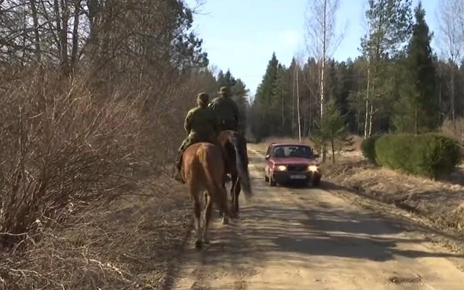 Defense League members on horseback in Ida-Viru County.