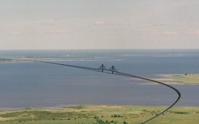 Artist's impression of the proposed mainland-Muhu bridge link.