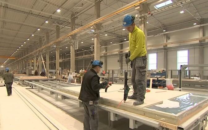 Уровень безработицы в стране растет.