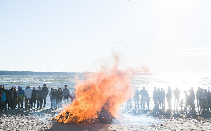 Jaanipäev Stroomi rannas