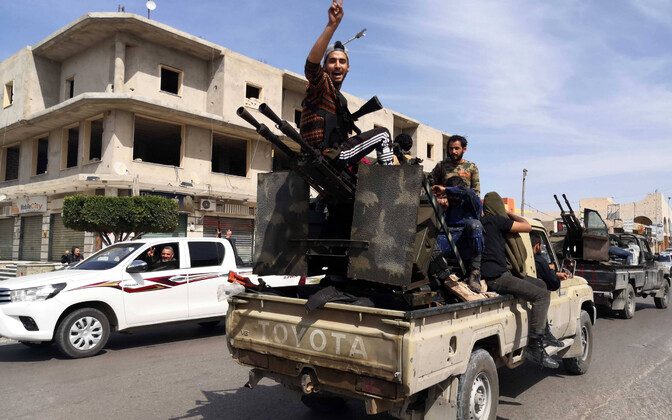 Liibüa rahvusvaheluselt tunnustatud valitsuse võitlejad.