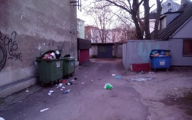 Люди проводят больше времени дома, поэтому бытовых отходов стало больше. Иллюстративная фотография.