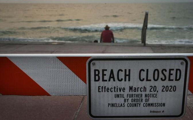 Mitmel pool USA-s, näiteks Floridas, on suletud ka avalikud rannad.