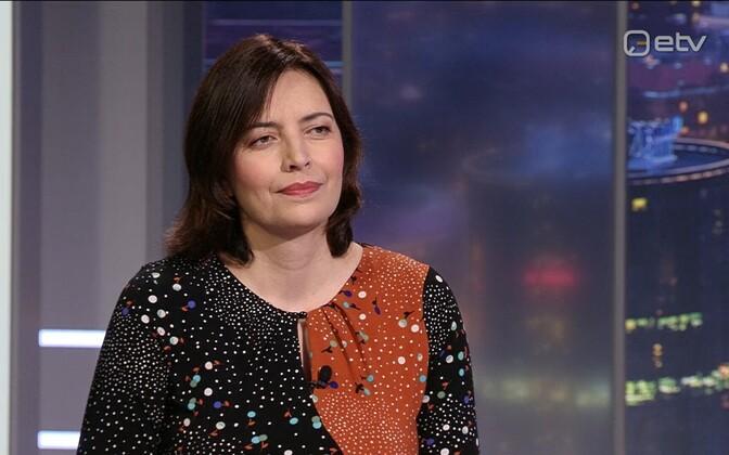 Dr. Karmen Joller.