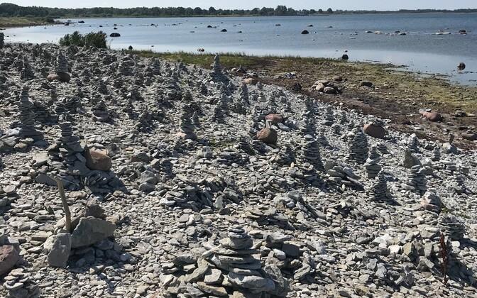По мнению чиновников, каменные башенки нарушают природный вид глинта Охессааре.