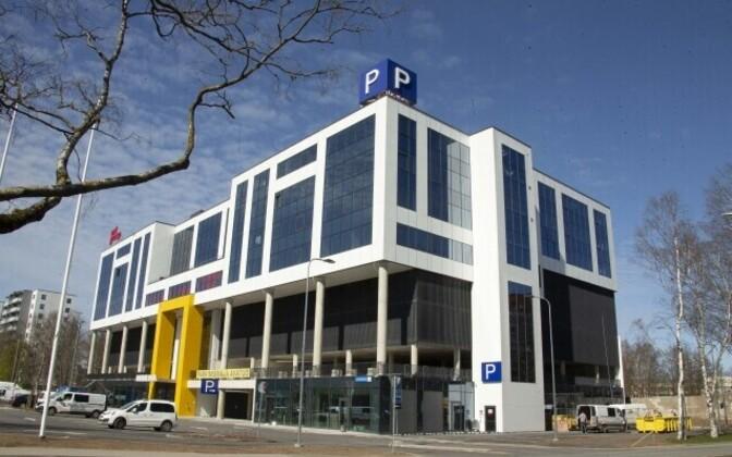 Новое парковочное здание в Мустамяэ.