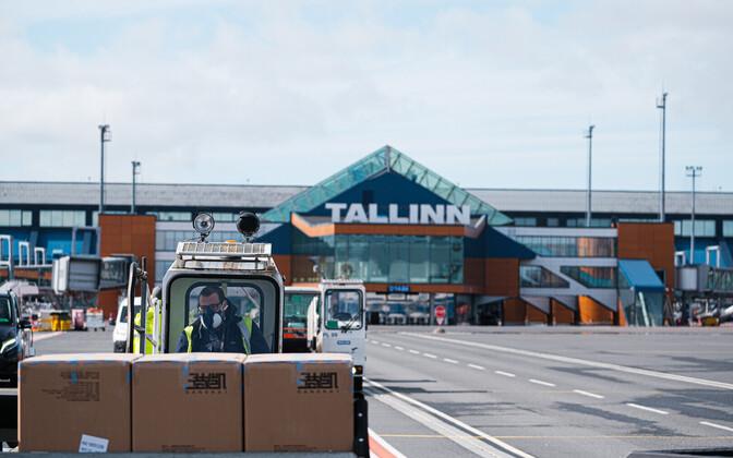 Сейчас Таллиннский аэропорт обслуживает в основном грузовые самолеты.