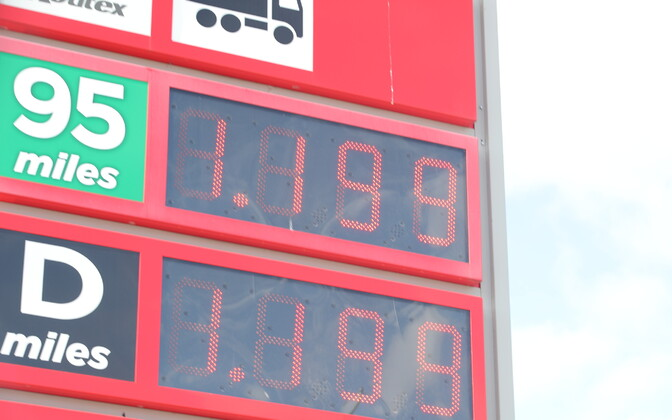 Gasoline and diesel prices at a Tallinn filling station on April 24.
