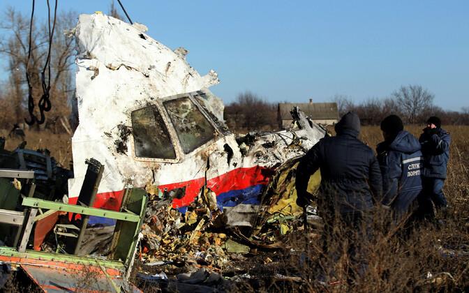 Vene raketiga Ukraina kohal allatulistatud Malaisia reisilennuki vraki tükk.