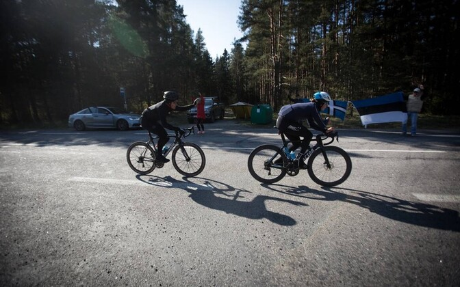 Организаторы благотворительного велопробега Михкель Ряйм и Стевен Калф.