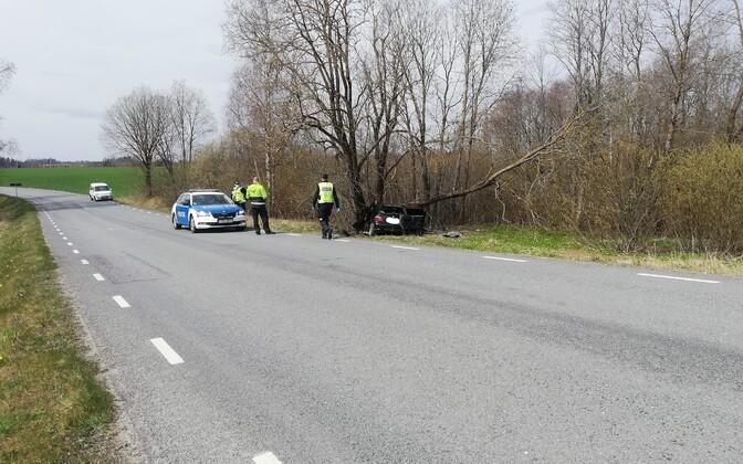 Kahe hukkunuga liiklusõnnetus Abissare külas Põlvamaal.