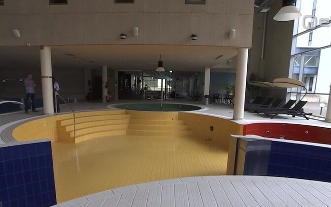Empty spa.