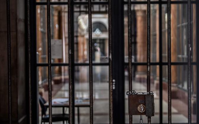 Suletud jalakäijate galerii Pariisis.