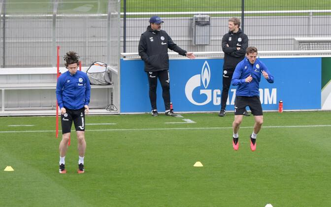 Schalke 04 mängijad treeningul