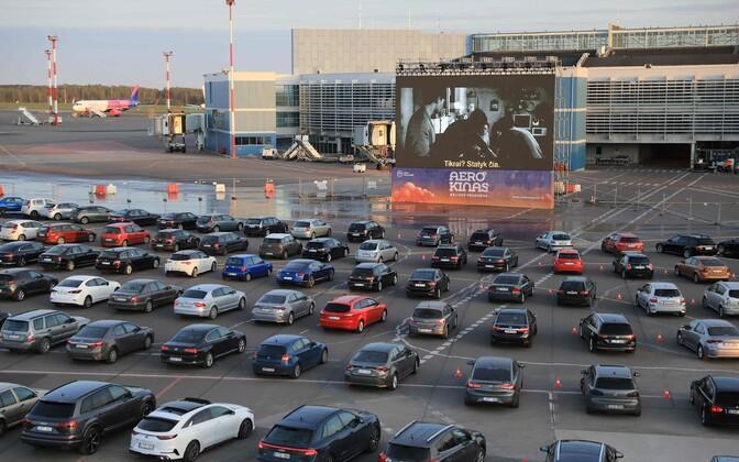 Vilniuse lennuväljal avatud autokino