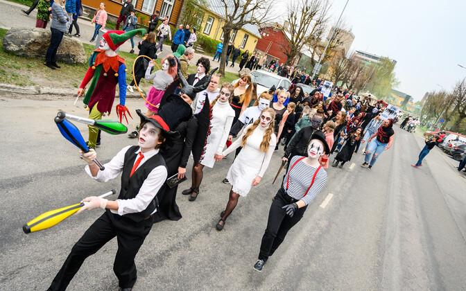 HÕFFi rongkäiku tänavu ei toimu, ent festival panustab Haapsalu ellu Läänemaa toidupanka toetades