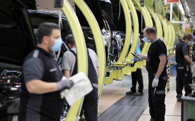 Nii Saksamaal kui Prantsusmaal langes autpotööstuse toodang märtsis umbes kolmandiku.