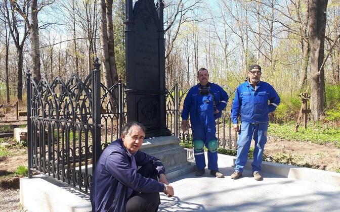 Восстановили могилу знаменитого мэра Нарвы Адольфа Гана.
