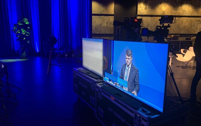 Sissejuhatuse teeb välisminister Urmas Reinsalu, pildil kohtumise ettevalmistused